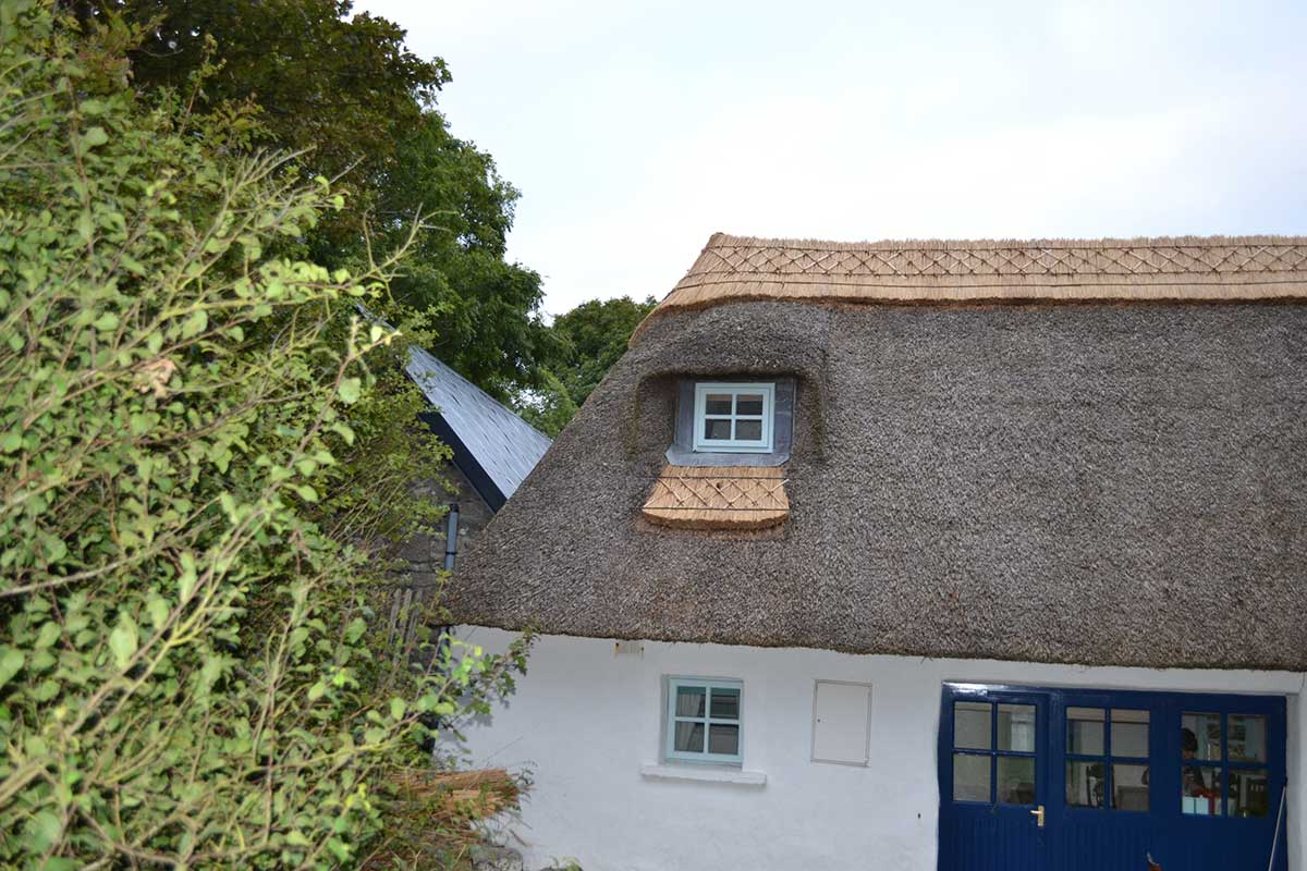 window frame exterior thatching