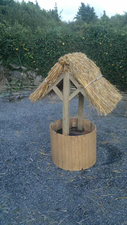 garden-well-custom-ronan-finn-thatch